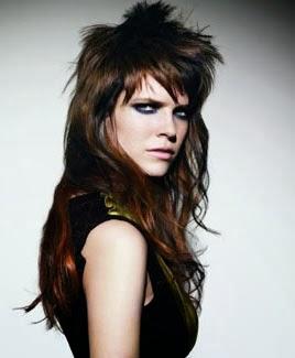 Fotos de cabelo comprido com franja estilosa emo