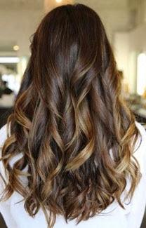 Melhores fotos de cabelos longos cacheados