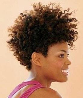 Cortes curtos para cabelos cacheados volumosos