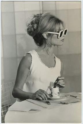 imagens de penteados para baile dos anos 60