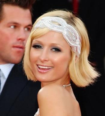 Penteado com tiara para festa em cabelos curtos e lisos