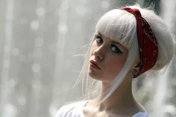 Penteados retro para cabelos curtos e lisos femininos