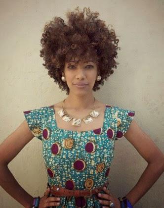Fotos de cabelo afro com franja