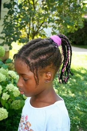 Melhores penteados para meninas com cabelos crespos médio a comprido