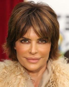 Corte de cabelo com franja para mulheres de 50 anos