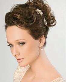 Penteados para noivas preso - coque alto