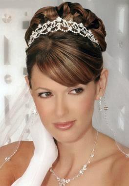 penteados presos com franja para noivas
