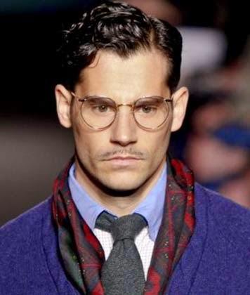Penteados de cabelo masculino com topete