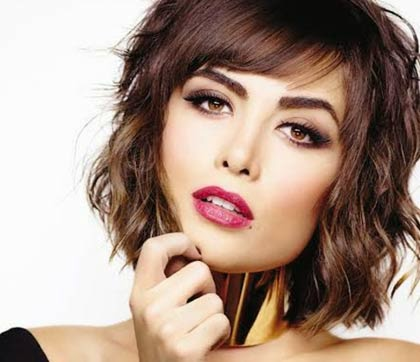 cabelos curtos modernos da moda
