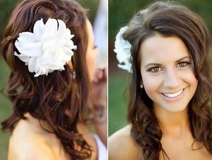 como fazer penteados com flores